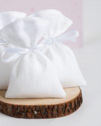 Balti lininiai maišeliai