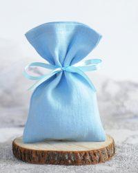 Melsvas lininis maišelis dovanų įpakavimui